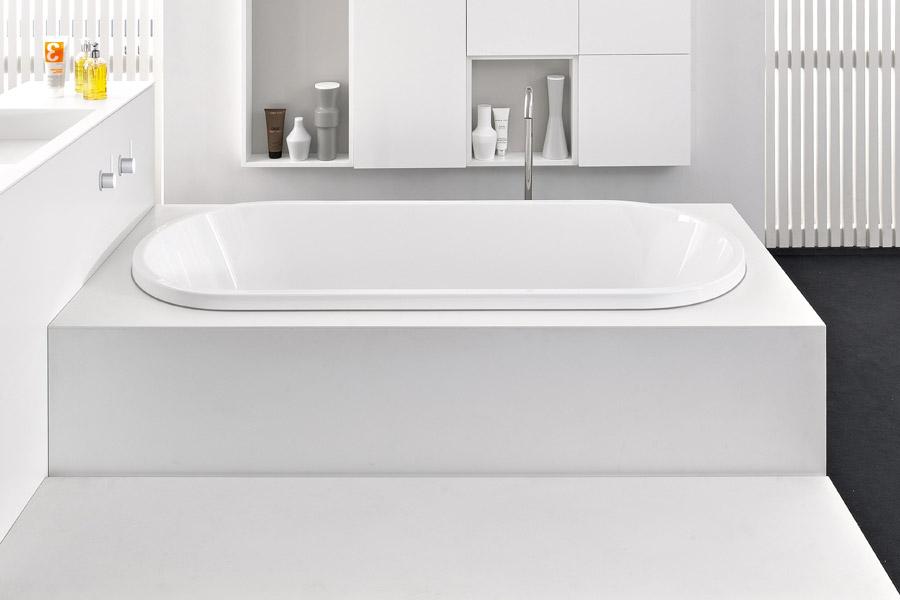 vasca in appoggio bacino ovale